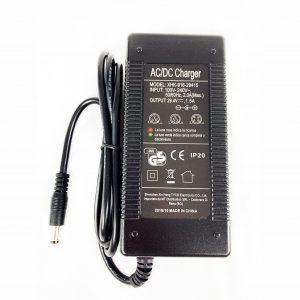 Chargeur 42V 1.5A Draisienne FBS120-C1 et FBD-C2